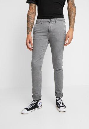 ZEUMAR HYPERFLEX - Chinos - light grey
