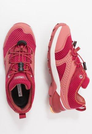 KIDS KOBUK - Hiking shoes - red cluster