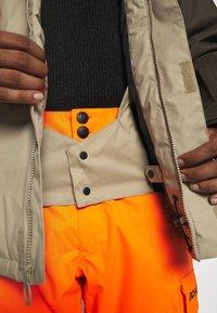 DC Shoes - DEFY JACKET - Snowboard jacket - brown - 7