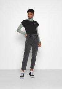 Noisy May - NMOLIVIA  - Slim fit jeans - dark grey denim - 1