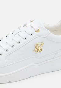 SIKSILK - PURSUIT - Sneakersy niskie - white - 5