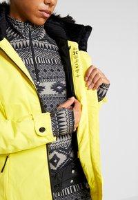 Ziener - TOYAH LADY - Ski jas - yellow power - 8
