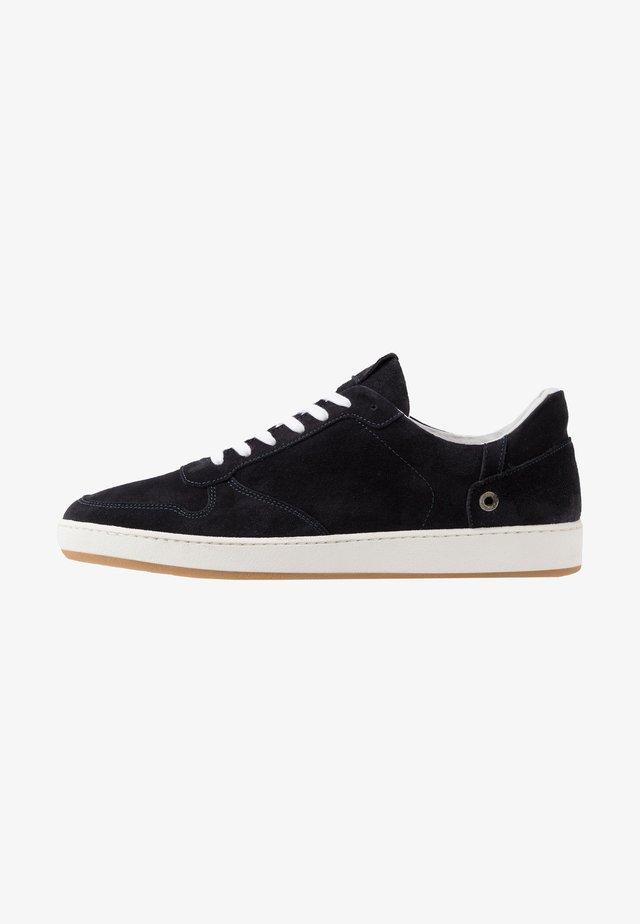 Sneakers basse - note