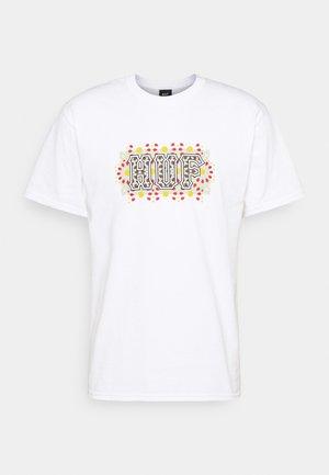 MOROCCAN TEE - Print T-shirt - white