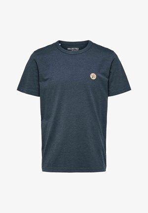 BIO STICKEREI - Basic T-shirt - dark sapphire