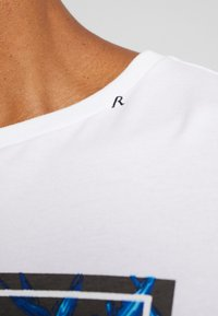 Replay - T-shirts print - white - 4