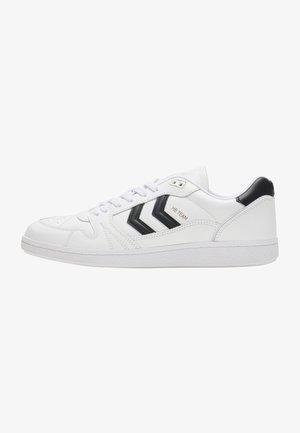 HB TEAM - Sneakers - white/black