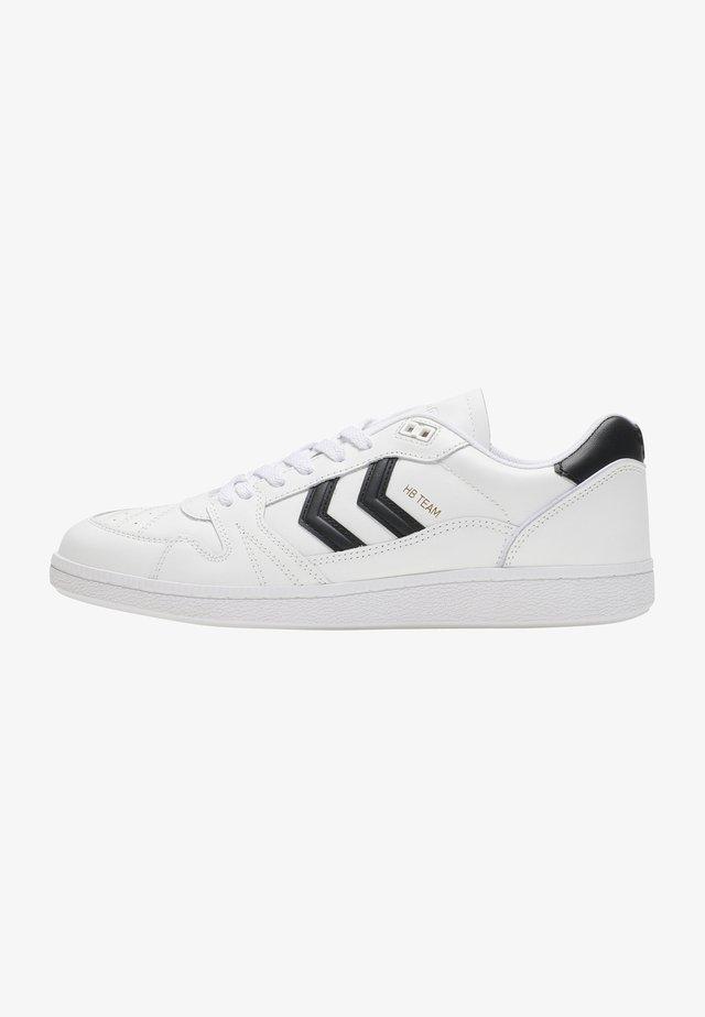 HB TEAM - Sneakers laag - white/black