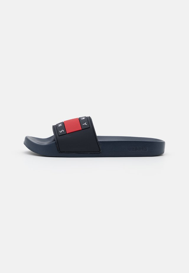 FLAG POOL SLIDE - Klapki - twilight navy