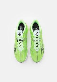 Reebok - FLOATRIDE RUN FAST 3.0 - Neutrální běžecké boty - neon mint/footwear white/core black - 3