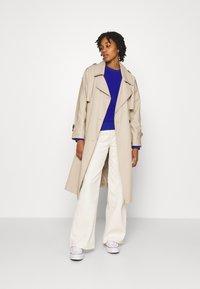 Lee - STELLA A LINE - Flared Jeans - ecru - 1