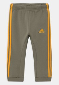 adidas Performance - LOGO SET UNISEX - Trainingsanzug - green/gold