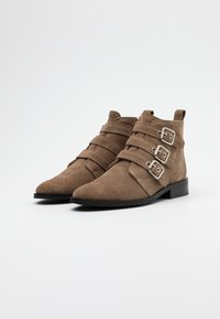 Shoe The Bear - FINNA BUCKLE - Ankle boots - taupe - 2