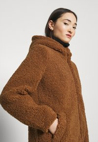 ONLY - ONLNEW TERRY CURLY COAT  - Short coat - toasted coconut - 3