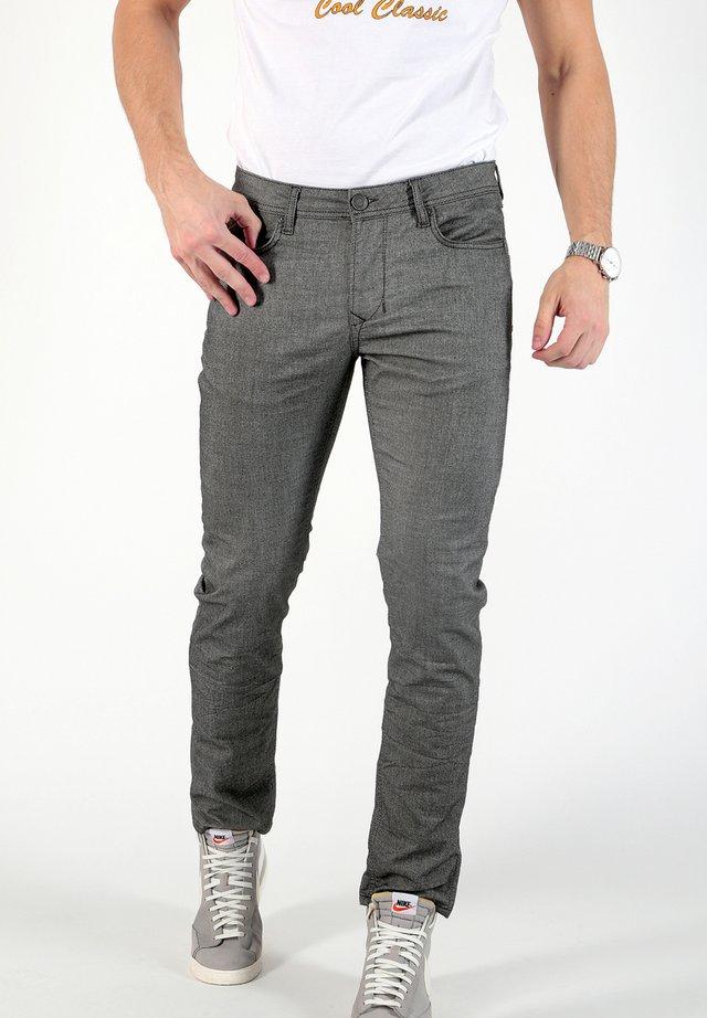 CORNELL - Slim fit jeans - coloured denim