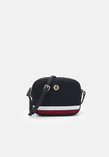 POPPY CROSSOVER - Across body bag - navy corporate