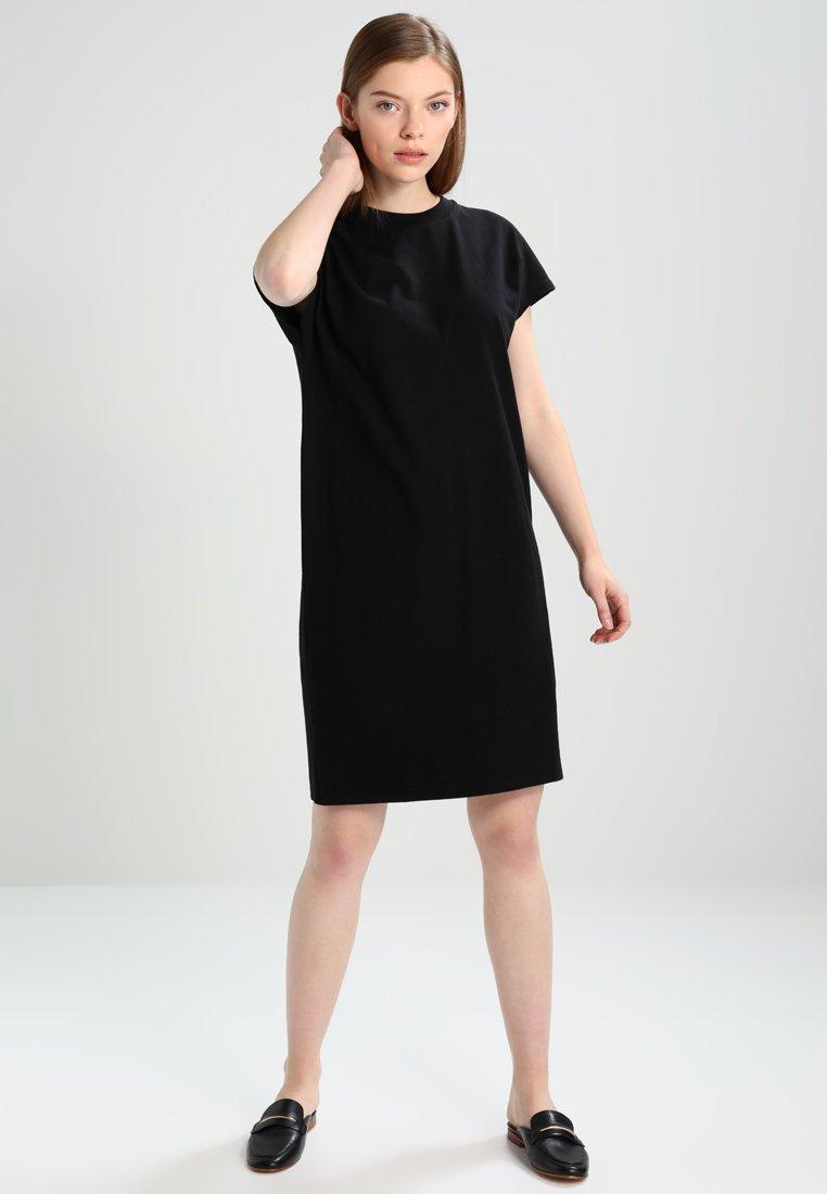 KIOMI - Jerseykleid - black