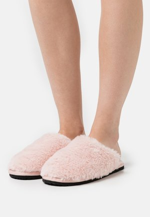 LITTLE FLUFFY CLOUDS - Slippers - pink