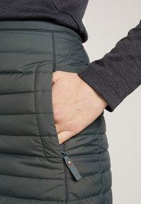 Jack Wolfskin - ICEGUARD SKIRT - Sports skirt - greenish grey - 3