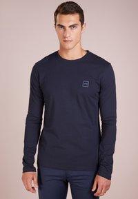 BOSS - TACKS - Long sleeved top - dark blue - 0