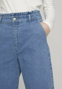 TOM TAILOR DENIM - Flared Jeans - used mid stone blue denim - 5