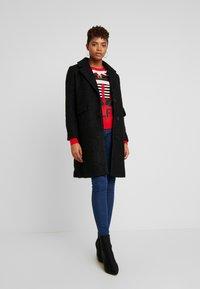Vero Moda - VMCOZYDIANA JACKET - Classic coat - black - 1