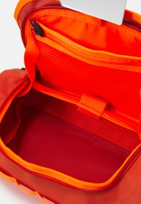The North Face - TRAVEL CANISTER UNISEX - Trousse - burnt ochre/power orange - 3