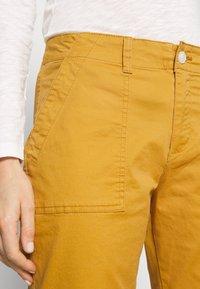 GAP - GIRLFRIEND UTILITY  - Trousers - desert sunset - 3