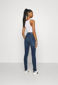 Tommy Jeans - SYLVIA SUPER  - Jeans Skinny - blue - 2