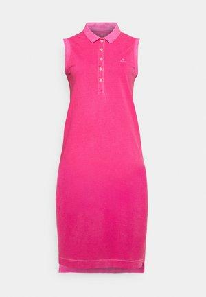 SUNFADED DRESS - Shift dress - cabaret pink