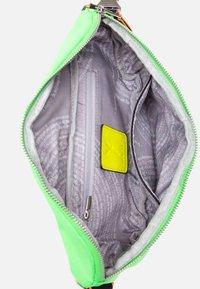 SURI FREY - LABEL FIVE - Bum bag - green/yellow - 5