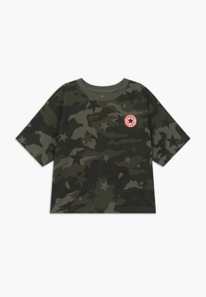 STAR CAMO BOXY TEE - Print T-shirt - shadow green