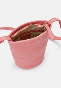 Mansur Gavriel - MINI ZIP BUCKET - Across body bag - peony/pink - 6