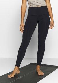 Onzie - HIGH RISE LEGGING - Legging - black - 0