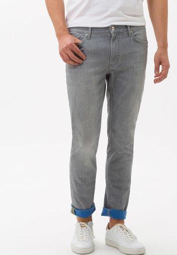 STYLE CHUCK - Slim fit jeans - light grey