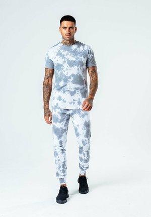 TIE DYE - Pantalon de survêtement - grey/white