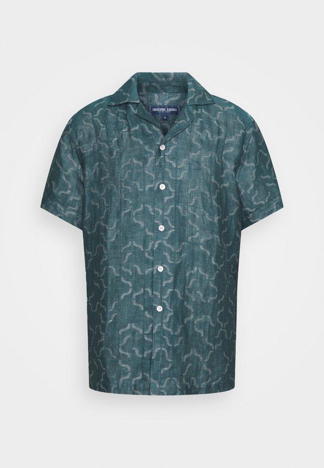 CAMP COLLAR - Shirt - green