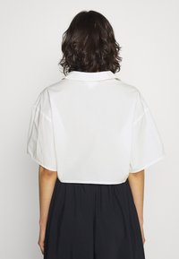 Monki - LIZ BLOUSE - Bluser - off white - 2