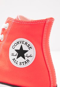 Converse - CHUCK TAYLOR ALL STAR SEASONAL - High-top trainers - bright crimson - 2