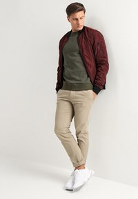 Jack & Jones - JORHIDE CREW NECK - Collegepaita - forest night - 1