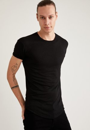 LONG FIT - Basic T-shirt - black
