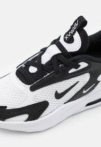 Nike Sportswear - AIR MAX BOLT UNISEX - Sneakers laag - white/black - 5
