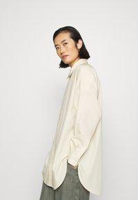 ARKET - SHIRT - Skjorta - beige dusty light - 4