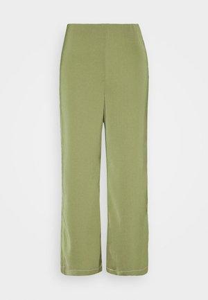 BILLEIGH PANTS - Bukse - loden green