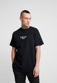 Topman - UNISEX TORONTO REFLECTIVE TEE - T-shirt z nadrukiem - black - 0