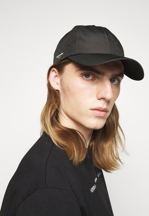 RUSELOKKA UNISEX - Caps - black
