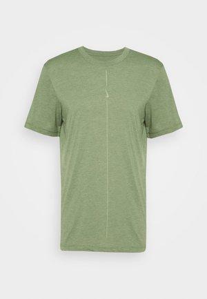 DRY TEE YOGA - Basic T-shirt - galactic jade/oil green