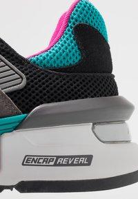 New Balance - MS997 - Zapatillas - grey/green - 8