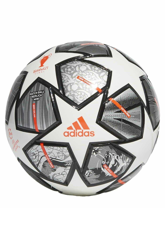 Women FINALE 21 20TH ANNIVERSARY UCL MINI FOOTBALL - Football