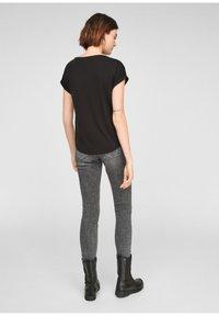 Q/S designed by - Basic T-shirt - black - 2